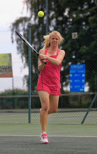 Adult tennis player at Woodbridge Tennis court